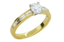 Round brilliant diamond with baguette diamonds on shoulders 18ct yellow gold ring, Marc Bendall, engagement rings, christchurch